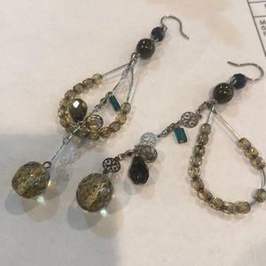 Lucky brand dangle earrings glass beads earth tone